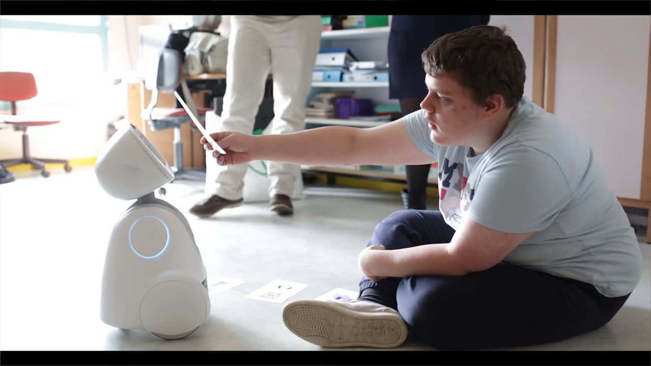 When AI meets healthcare; Robots for Autism
