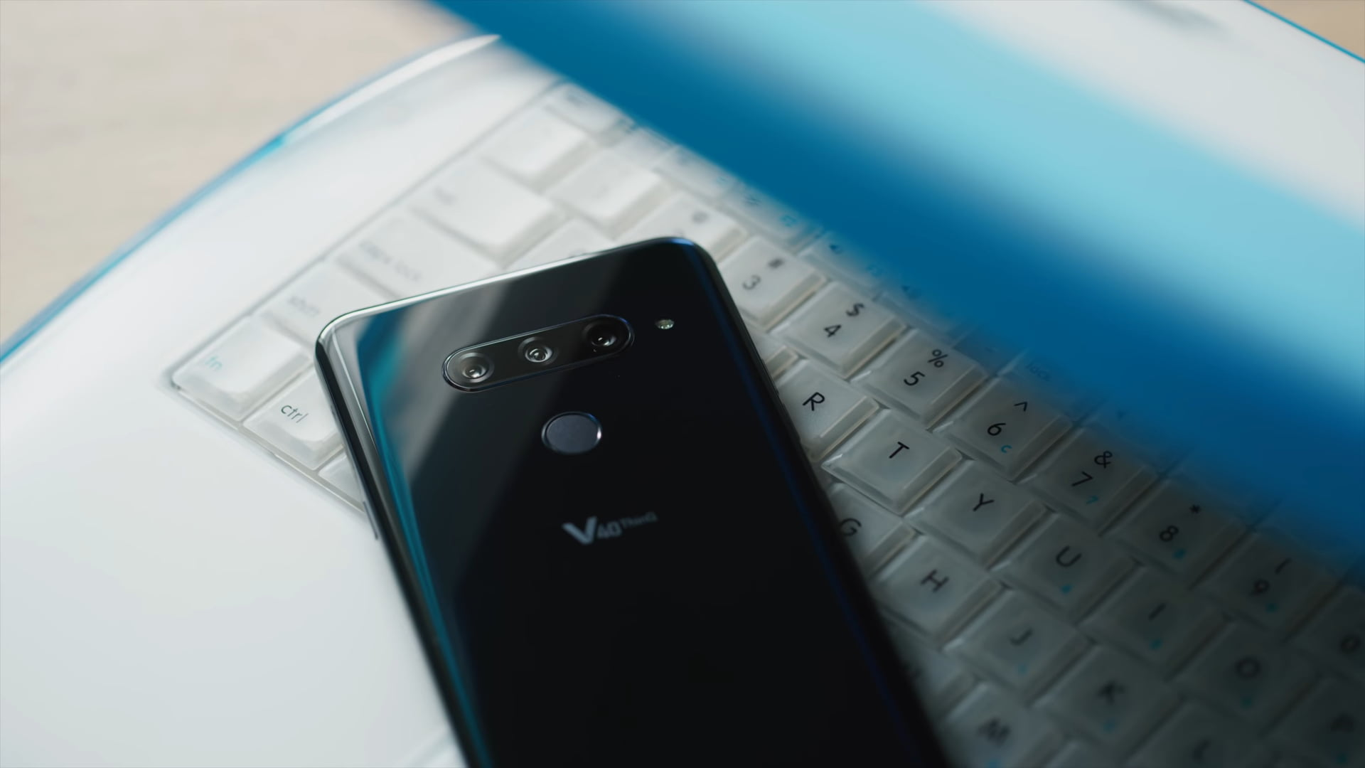 LG V40 ThinQ is now Official – Phone with 5 Cams