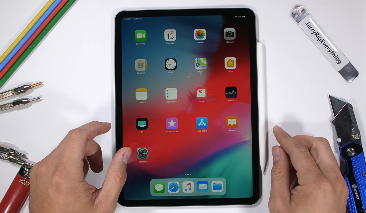 Apple iPad Pro 2018 bend test