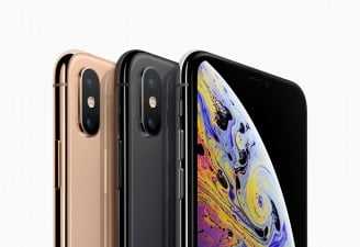 iPhone XS Golden and Space Grey