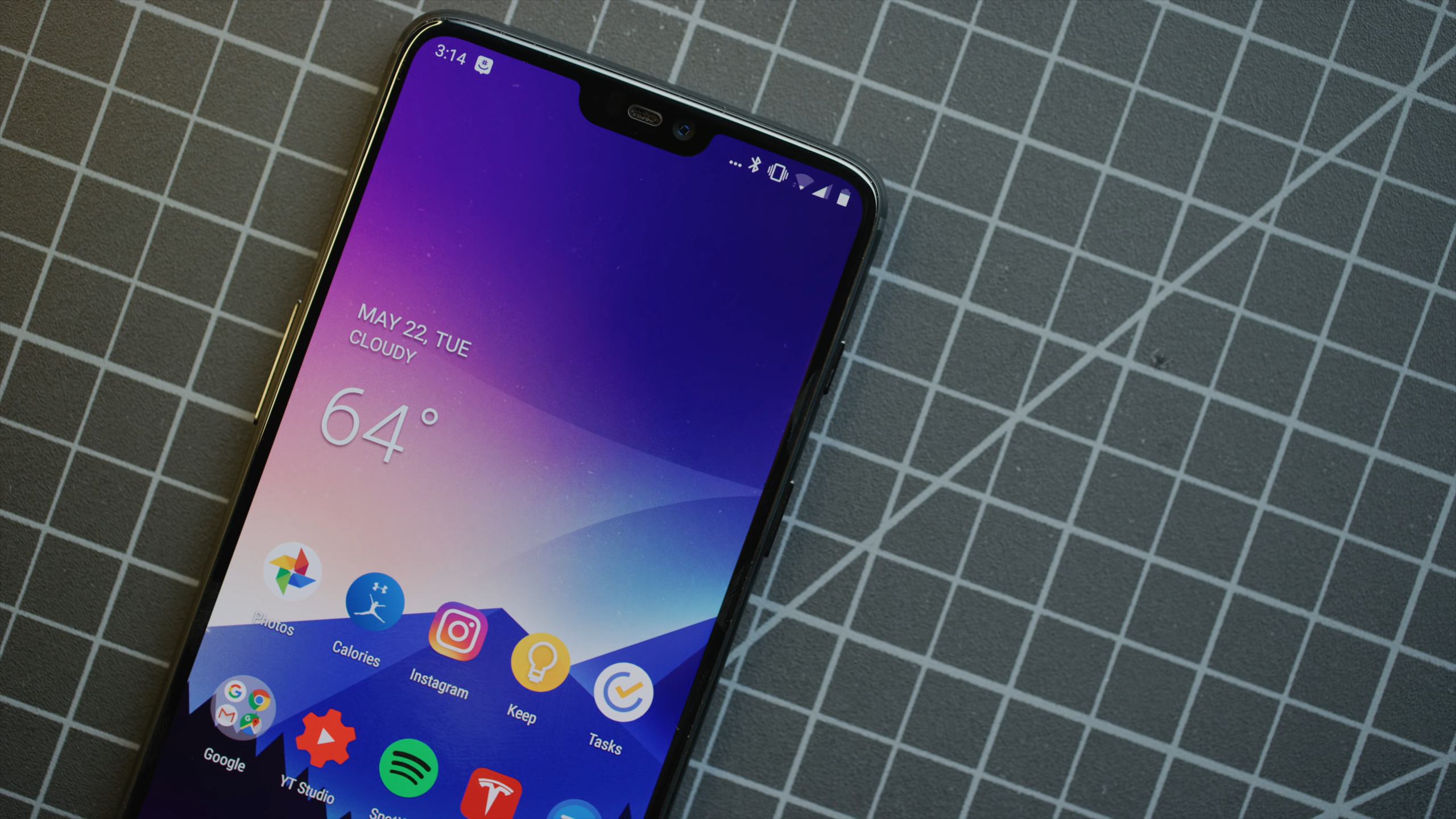 OnePlus 6 running OxygenOS on top of Android OS
