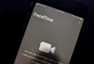 Facetime bug lets caller hear audio before call