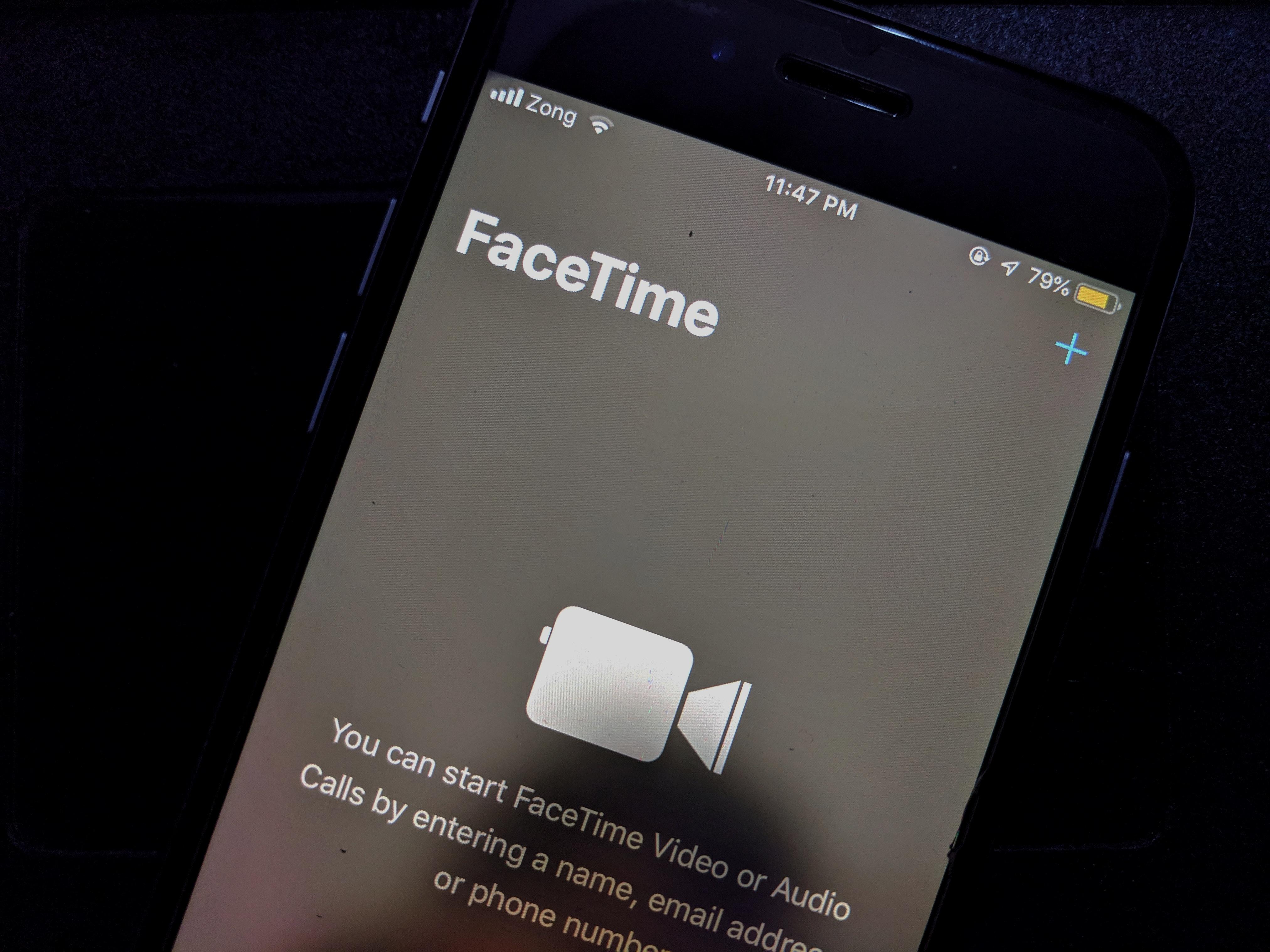 Facetime bug lets caller hear audio before call