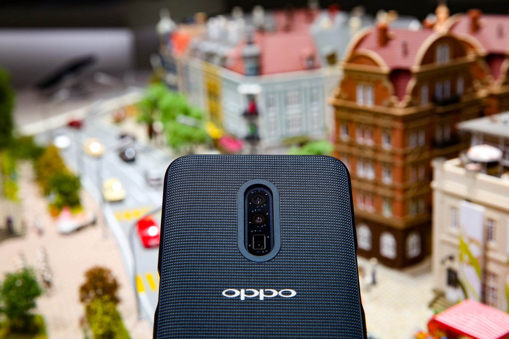 A picture of Oppo's 10X Zoom camera in their smartphone at MWC Barcelona 2019