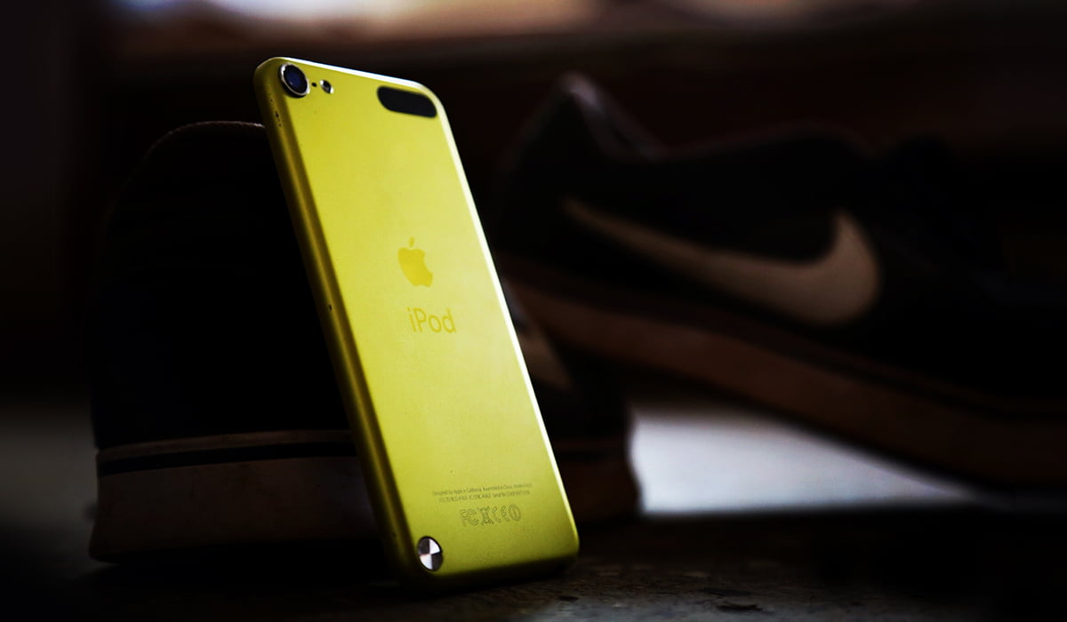 A photo from back of yellow iPod touch