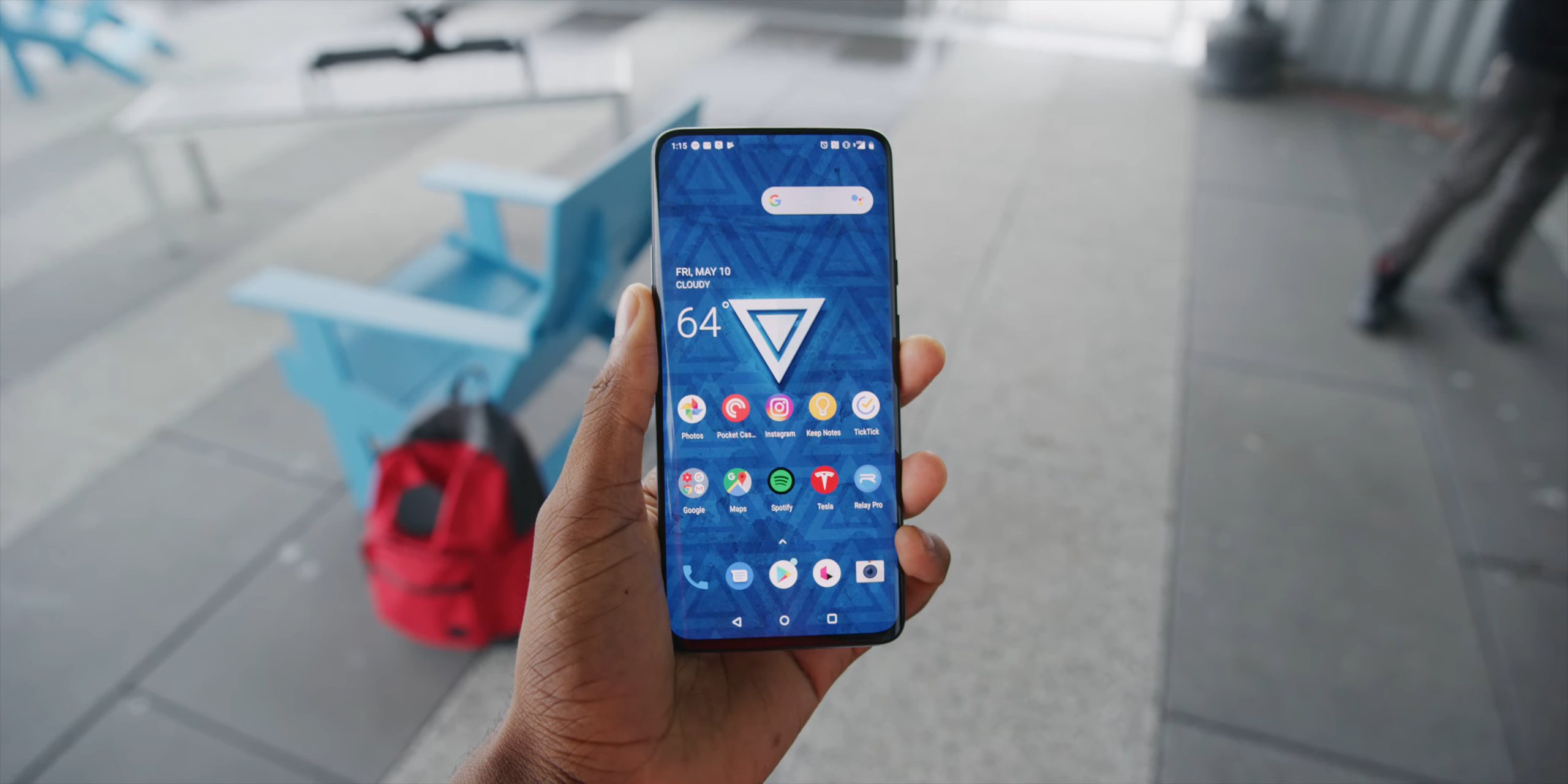 OnePlus 7 Pro Display in use