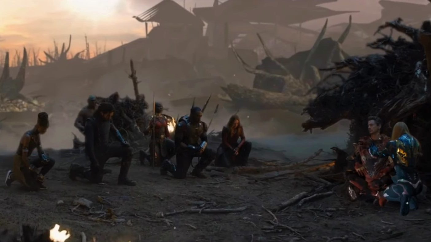 Emotional Endgame Deleted Scene Shows Avengers Kneeling To Tony Stark
