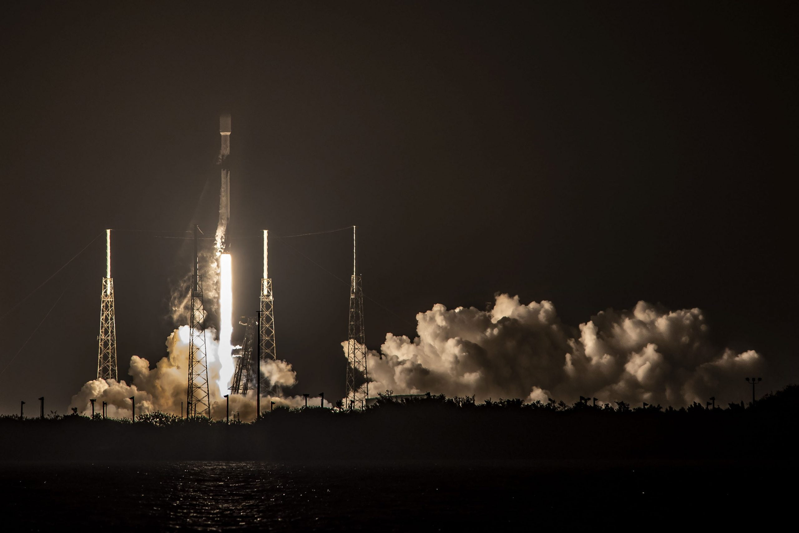 SpaceX launches Starlink mission by sending Falcon 9 for a record 7th time