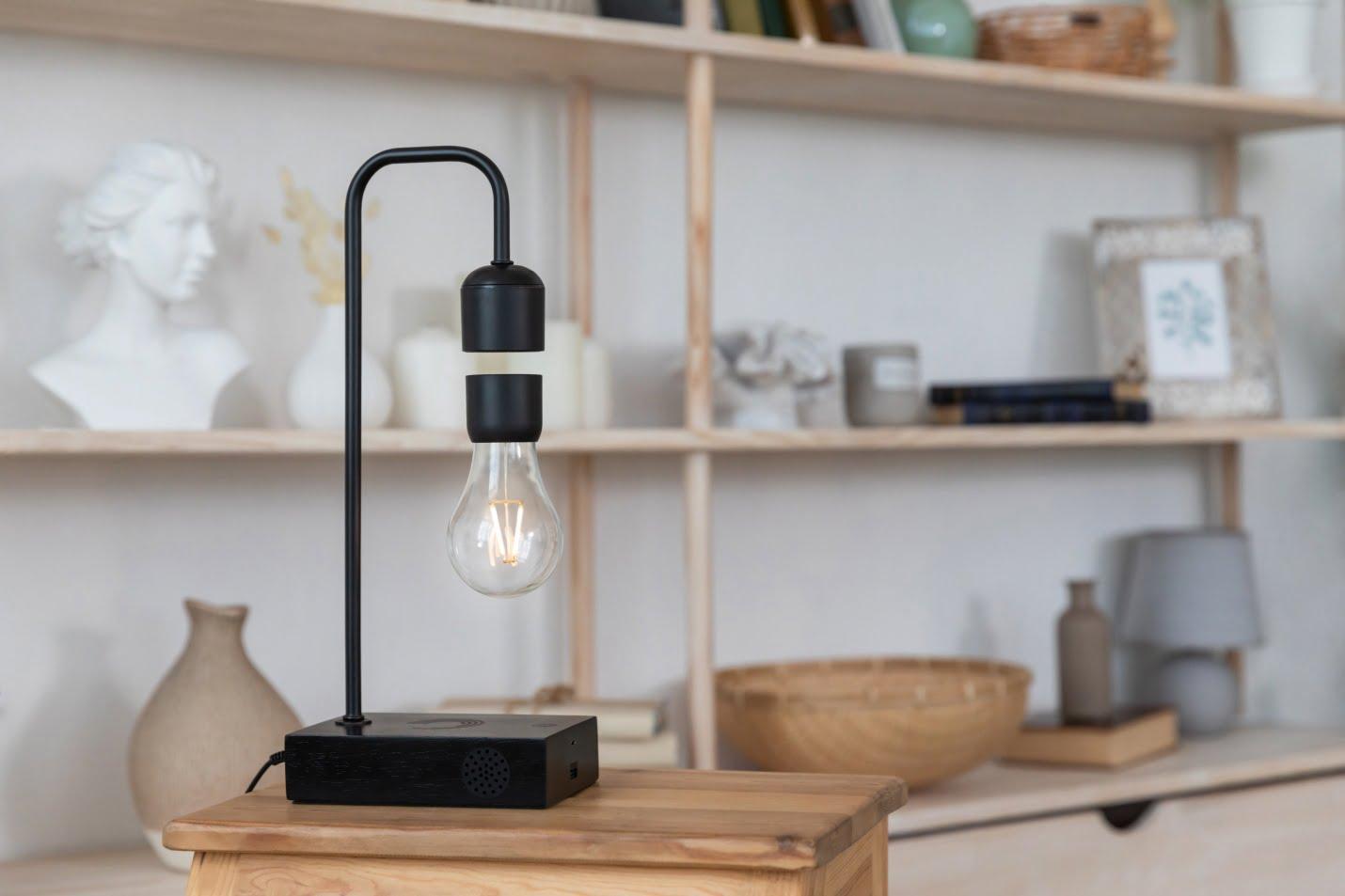 An image of Gravita lamp