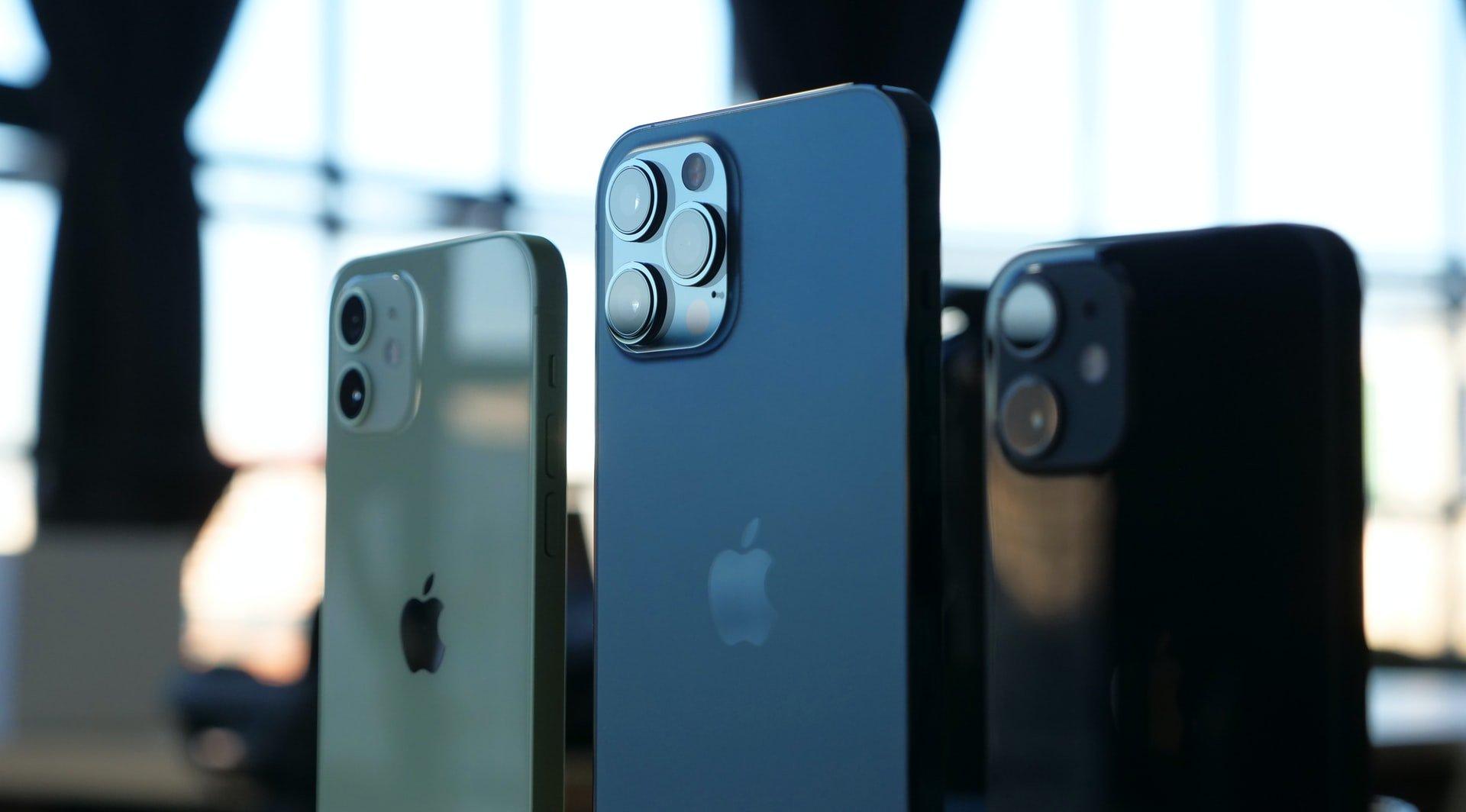 iPhone 13 might get LEO satellite connectivity